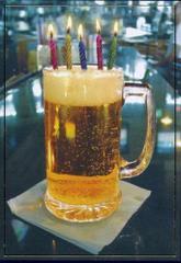 Kufel piwa ze świeczkami