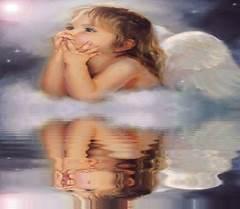 Rozmyślający aniołek