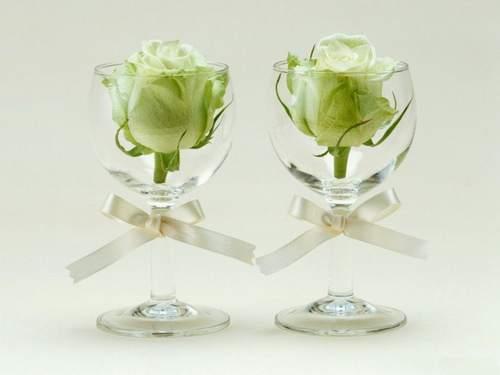 Róże w kieliszkach