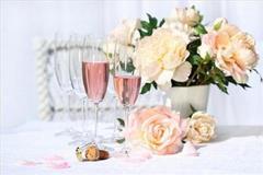 Łagodne róże i szampan